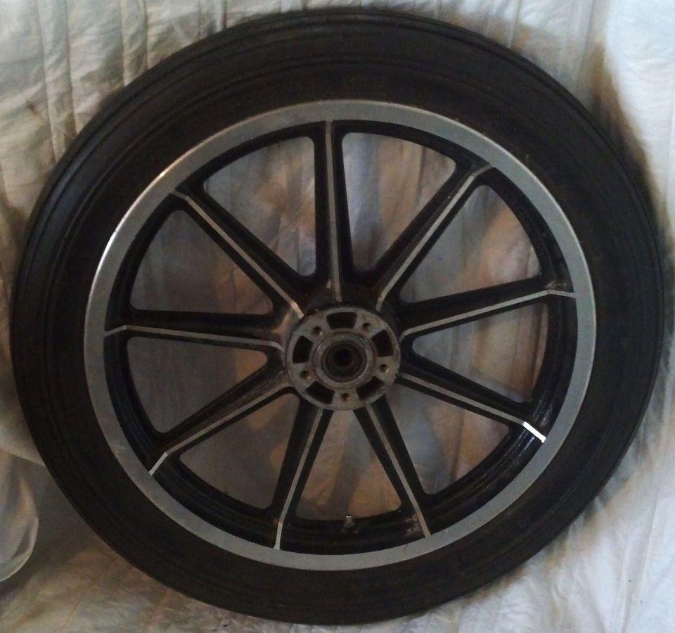Harley Davidson front wheel rim 19 with avon speedmaster tire   HD