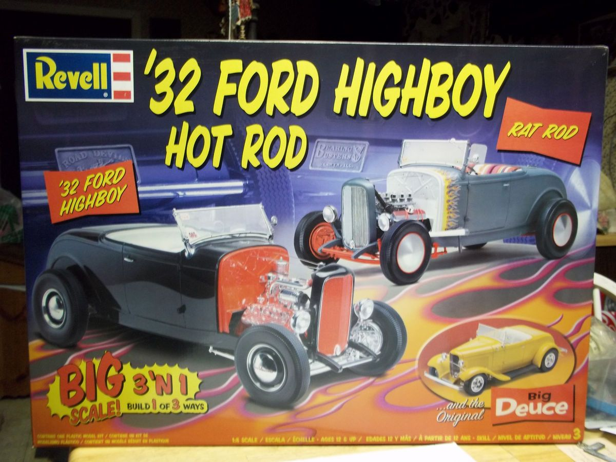 Revell Monogram 1932 Ford Highboy Hot Rod model kit 1 8 scale