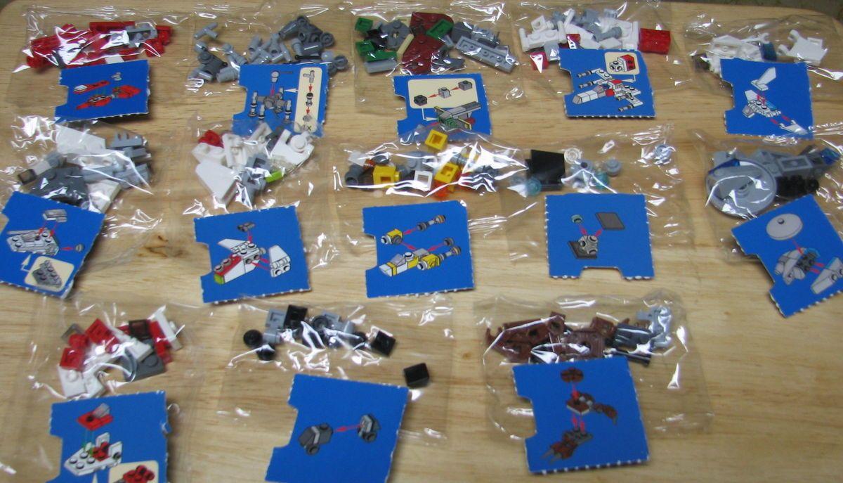 STAR WARS LEGO MINI FIGURE MINIFIG LOT OF 13 ADVENT MINI SHIPS SEALED