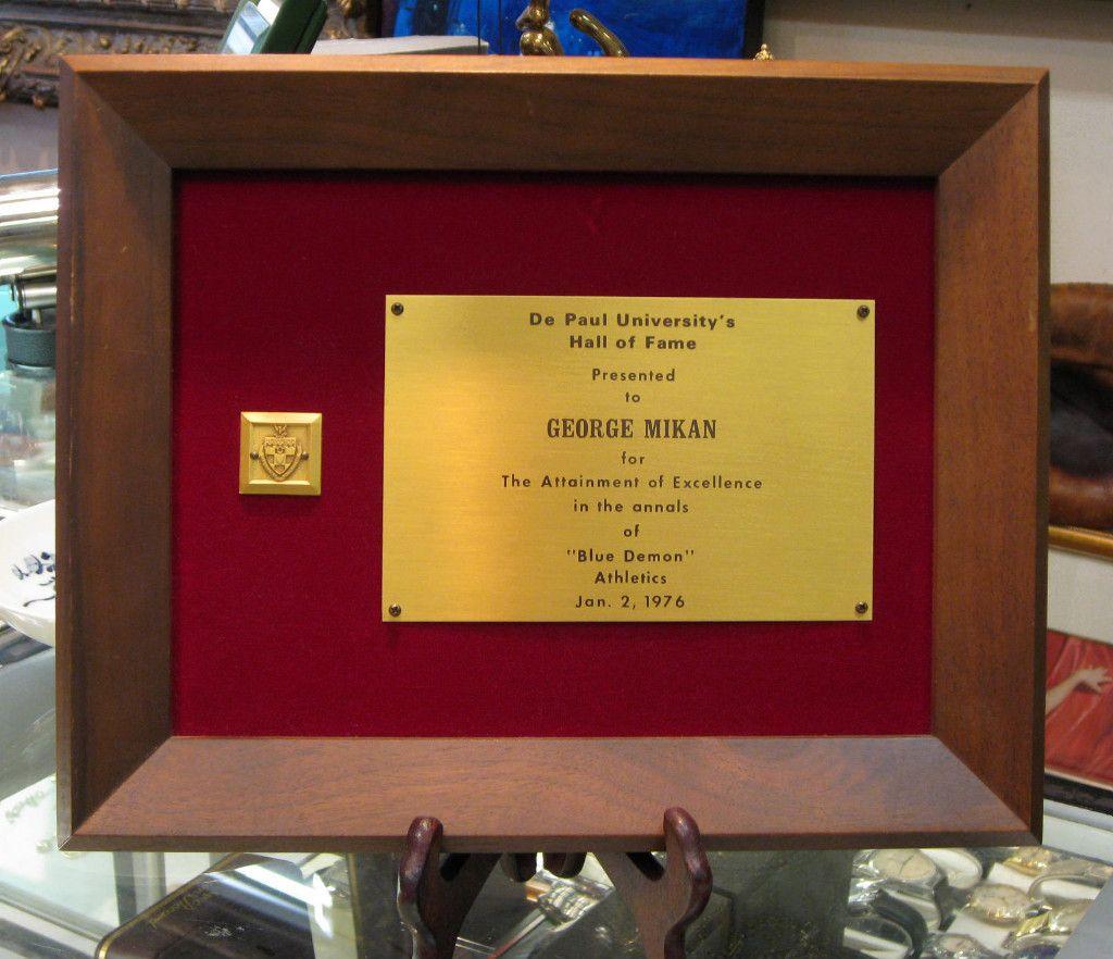 George Mikan Original de Paul University Hall of Fame Certificate 1976