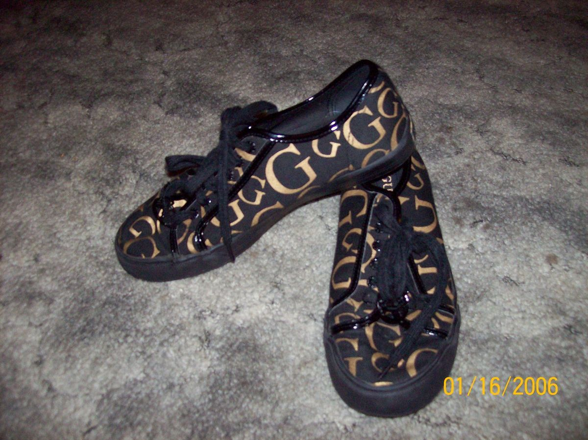 Ladies Guess Black and Gold Fashion Sneakers Tennis Shoes Size 5 Nice
